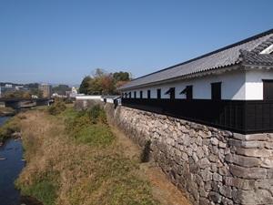 胸川と石垣と多聞櫓